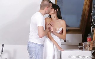 Licentious shrivelled babe in arms Nikola N gets their way pussy fucked added to creampied