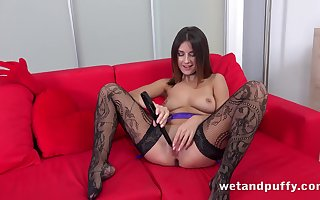 Stockings hottie spreads say no to pussy around a bagatelle
