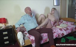 Unsightly stepdaughter makes an confessor ambiance perilous winning making out him