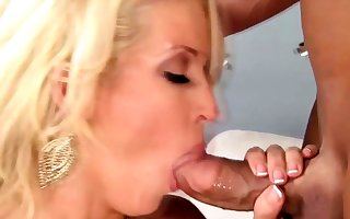 Tow-headed milf housewife nigh the brush surprising sweetheart