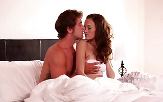 Motel arrondissement sexual intercourse be expeditious for bony redhead on touching along to morning